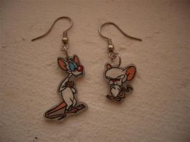 Pinky and the Brain earrings by estranged-illusions