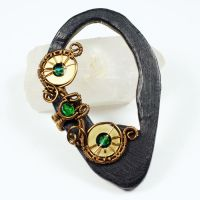 Brass Owl Eyes Ear Cuff by sylva