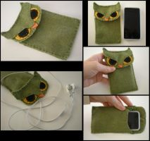 Owlie iTouch Case by starbuxx