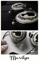 ''Marilyn'' vintage inspired headphones by Ketchupize
