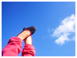 Look my feet are up in the sky by Majowlein