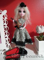 Custom Monster High Repaint Doll Draculaura by cherrybomb-81