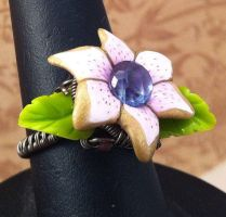 Metal Vines Ring by tanyquil