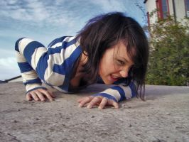 Me crawling by Nierie