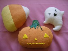 Halloween Plushies 002 by MythrilAngel