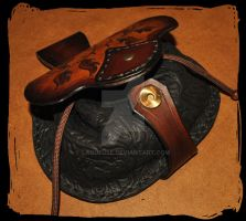 escarcelle leather belt pouch by Lagueuse