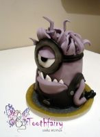 evil minion cake by Ekatika