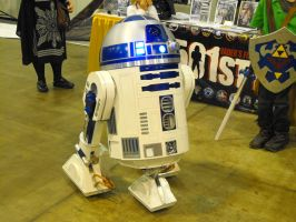 R2-D2 by Etrigan423