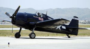 Grumman F6F-5 Hellcat Taxi by shelbs2