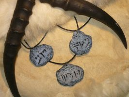 Skyrim: Dragon Runestone Pendants by Ganjamira