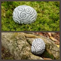 Triskell pebble by mossy-tree