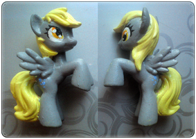 Derpy Hooves custom painted by xNIR0x