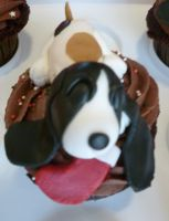 Basset Hound cupcakes (Basset number 4) by Marce07
