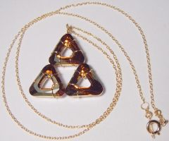 GOLDEN Glittering Triforce by wickedorin