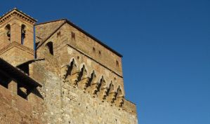 sky over the walls by frei76