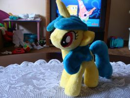 Lemon Hearts Plush by Revilynn