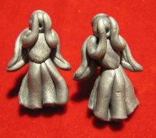 Weeping Angels stud earrings by StregattaPuponzi