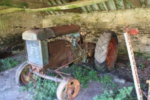 Old Tractor by Xs9nake