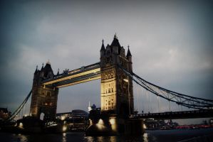 tower bridge by Calliopedoll