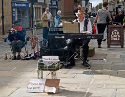 The old guys busking by piglet365