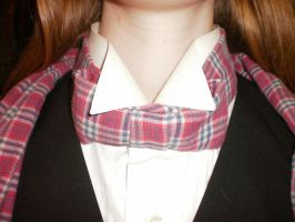 Pre-tied plaid cravat by Torenchiko-to