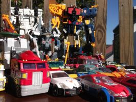 AUTOBOTS PROTECT THE HUMANS AT ALL COSTS! by forever-at-peace