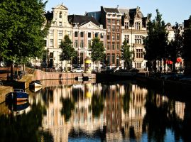 Tourist free Amsterdam canal by StradaMea
