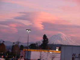 Mt Rainier Lenticular Clouds by dsimple