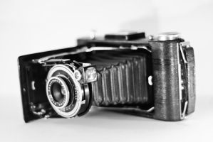 Old Camera by Italiansmilyface