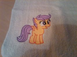 Scootaloo Standing by EthePony