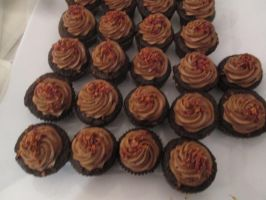 Chocolate cupcakes with bacon sprinkles by mylesterlucky7