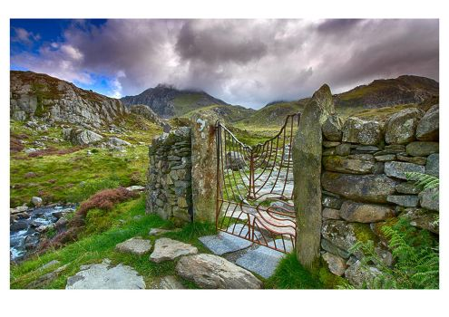 The Gateway To Tryfan by DL-Photography