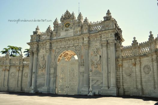 dolmabahce by runningfromdemons