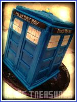 The Tardis Cake by gertygetsgangster