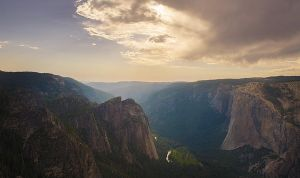 Yosemite by digitaladagio