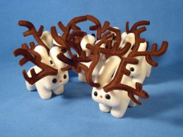 Antlered Bunnies by vickangaroo