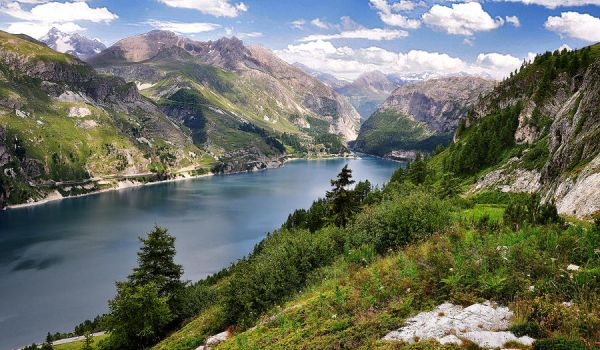 Lac du Chevril by younghappy