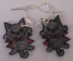 Kawaii vampire cat earrings by Lovelyruthie
