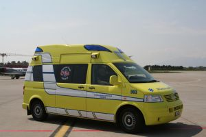 Geneva Road Ambulance by tammyins