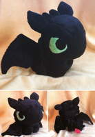 Another Toothless Plush by GlacideaDay