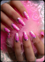 barbie nails by Tartofraises