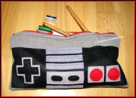 8bit pencil case by annikamirjami