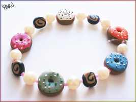 Donut bracelet with pearls by CookingMaru
