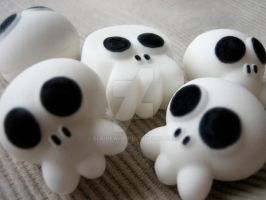 Scary skulls by elainewhy