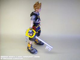 Sora + keyblade papercraft by ninjatoespapercraft