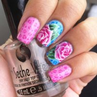 Pink roses over animal print nail art by aleidapinon