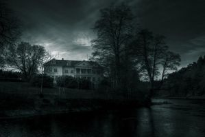..mansion at night... by Espen-Alexander