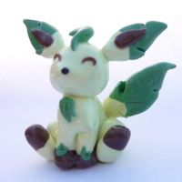 Leafeon figurine by SuGaR-AdDIKt