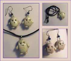 Adipose Necklace and earrings by Gimmeswords