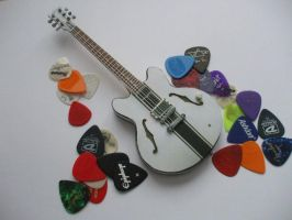 tom delonge signature gibson es333 paper model by SusHi182